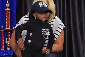 tiny janet jackson fan gets stage fright in the cutest way