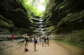 4 great hiking destinations with waterfalls in illinois