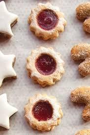 vanillekipferl anise seed crescent cookies bakeries christmas