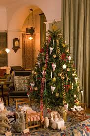 Design Ideas For Your Home National Trust 30 Glorious Victorian Christmas Tree Decoration Ideas Christmas