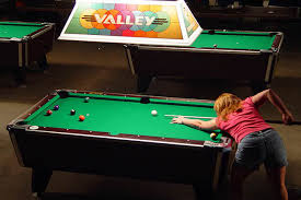 billiards table vs pool table difference and comparison diffen