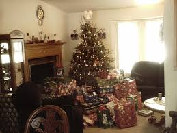 file christmas tree with lots of presents 2 jpg wikimedia commons