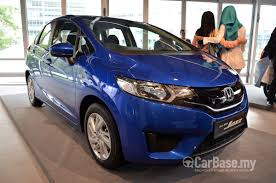 kereta bmw biru honda jazz 2015 1 5 e in malaysia reviews specs prices