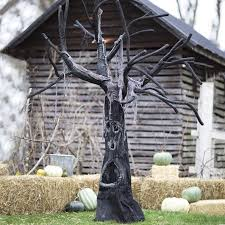 Homemade Halloween Decorations For Outside Halloween Tree Decorations Diy Halloween Party Decorations Outside