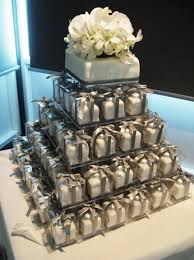 individual wedding cakes individual wedding cakes amount of work but easier for the