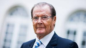 roger moore roger moore immortalized as james bond dies the daily beast