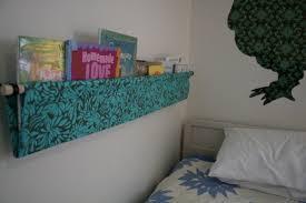 Fabric Sling Bookshelf 17 Bookshelf Rehabs How To Tip Junkie