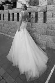me your wedding dress bees me your backless or illusion back wedding