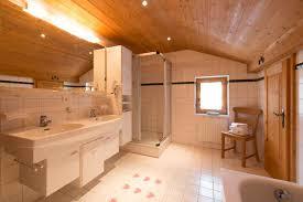 badezimmer landhaus berghäuser montafon landhaus bärenwald