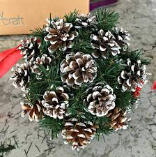 how to make a christmas kissing ball celebrate u0026 decorate