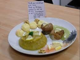 cuisiner les verts de poireaux truite croustillant aux noix purée de poireaux sabayon aux verts de