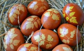 boiling eggs for easter dying eco friendly easter dye and decorate easter eggs naturally