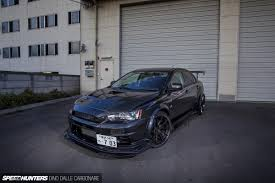 evo mitsubishi black how to build the perfect late model lancer evolution speedhunters
