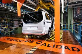 mercedes benz produces 100 000th v class at vitoria plant in spain