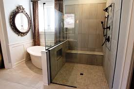 Ideas For Renovating Small Bathrooms by 36 Bathroom Remodeling Ideas Walk In Shower Ideas For Small