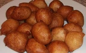 cuisiner le manioc beignets au manioc la camerounaise
