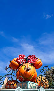 the 281 best images about disney halloween halloween decor on