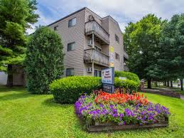 1 Bedroom Apartments Champaign Il Apt 1 Br 1 0 Ba 539 Woodcrest Apartments In Champaign Il