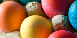 how to dye eggs to make classic coloured easter eggs
