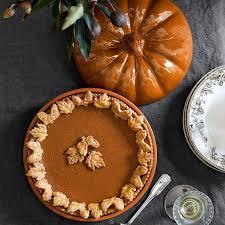 williams sonoma pumpkin covered pie dish williams sonoma