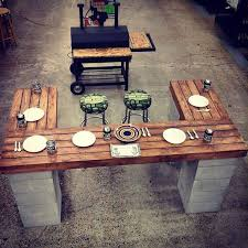 Building Outdoor Wood Table by Best 25 Diy Outdoor Bar Ideas On Pinterest Deck Decorating