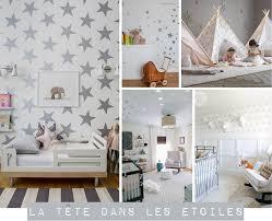 decoration etoile chambre chambre d enfant la tête dans les étoiles les etoiles plumetis