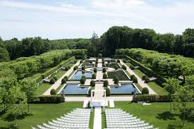 huntington wedding venues regal outdoor ceremony ballroom reception at oheka castle in