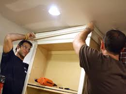 how to install kitchen wall cabinets with crown molding how to install cabinet crown molding how tos diy