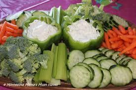 Summer Entertaining Ideas - easy summer veggie tray idea for entertaining must have mom