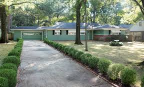 Elvis Presley Home by File Elvis Presley House 1034 Audubon Drive Jpg Wikimedia Commons