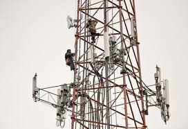 400 Feet by Workers Remove Body Of Man Found Hanging 400 Feet Up Radio Tower