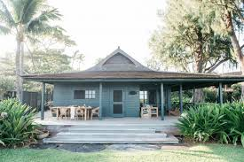 vacation rental maui beach cottage with a tropical garden