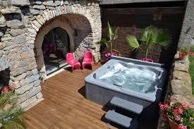 chambre d hote avec spa privatif location de vacances de luxe et gîte grande capacité avec spa et