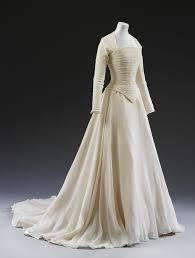 Discount Vintage Wedding Dresses U0026 Bridal Gowns Queen Of Victoria Best 25 Silk Wedding Dresses Ideas On Pinterest Boat Neck Dress