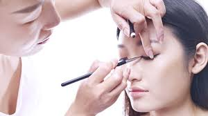 how much is a makeup artist here s how much you need to invest to become a makeup artist fn