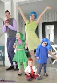 4 Person Halloween Costume Ideas Funny 11 Totally Great Family Costume Ideas For Halloween