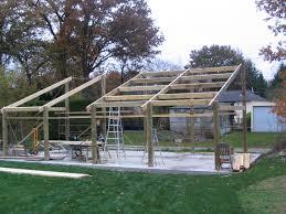 fabriquer porte de grange construction d u0027un hangar en bois 4 7m x 10m construction hangar bois