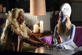 halloween fashion background images scream queens u0027 recap u0027halloween blues u0027 somebody gets smurfed