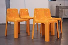 Chaises Roche Bobois Ensemble De 4 Chaises Oranges Roche Bobois En Fibre De Verre Marc