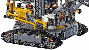 technic bucket wheel excavator s largest technic set can dig a moat around your home gizmodo uk