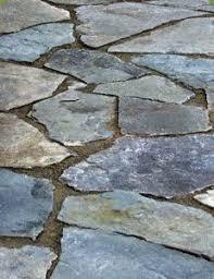 Backyard Stepping Stones by Best 25 Flagstone Walkway Ideas Only On Pinterest Flagstone