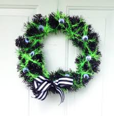 how to make a spooky and simple diy halloween wreath cuddles
