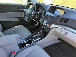 acura inside review the acura ilx swears it u0027s trying to be something