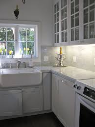 awesome modern kitchen set with marble backsplash carrara