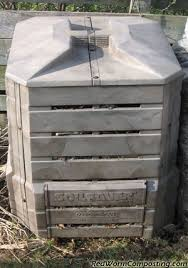 Backyard Composter Composting Worms In Your Backyard Composter Red Worm Composting