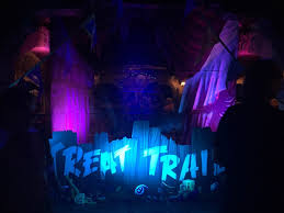 Halloween Party Lighting by Mickey U0027s Halloween Party At Disneyland Guide For Adults This
