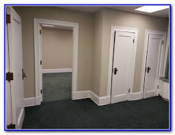 what color to paint a room with hunter green carpet carpet