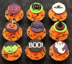 decorating halloween cupcakes halloween office decorations ideas