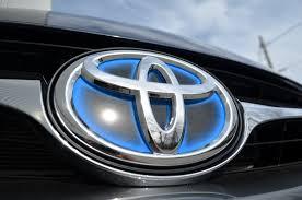 toyota 2015 2015 toyota camry hybrid review autoguide com news