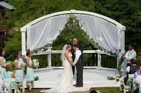 Wedding Arch Greenery Wedding Arch With Just Greenery Vines No Flowers Weddingbee